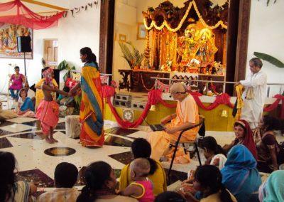 2012-Radha-Damodar-temple-1